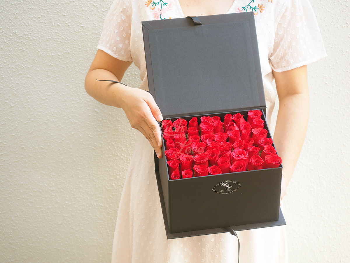 LETTER OF ROSES - CUBE BOX 1