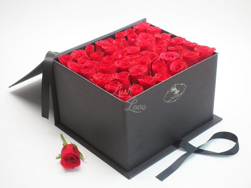 LETTER OF ROSES - CUBE BOX