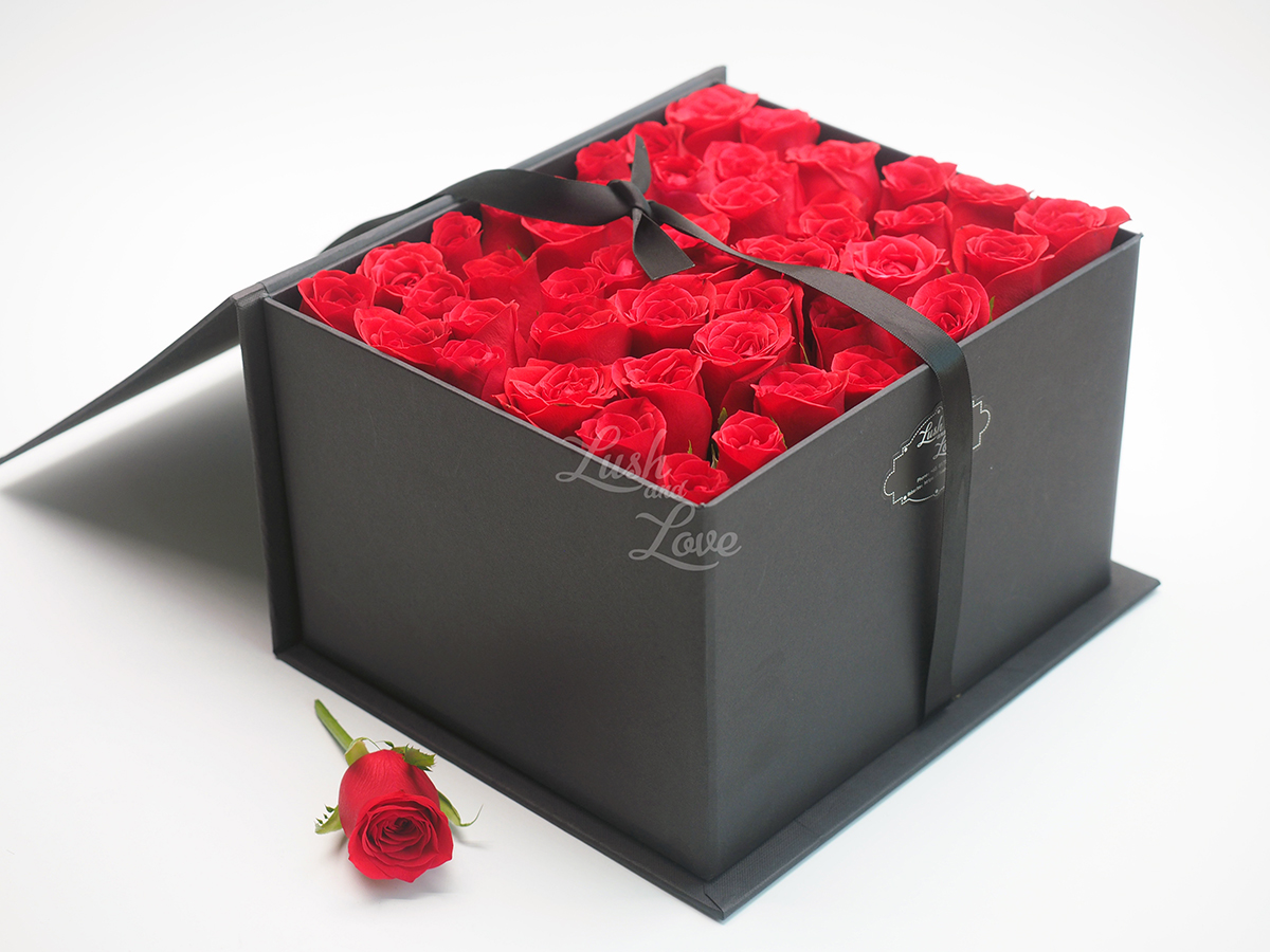 LETTER OF ROSES - CUBE BOX 3
