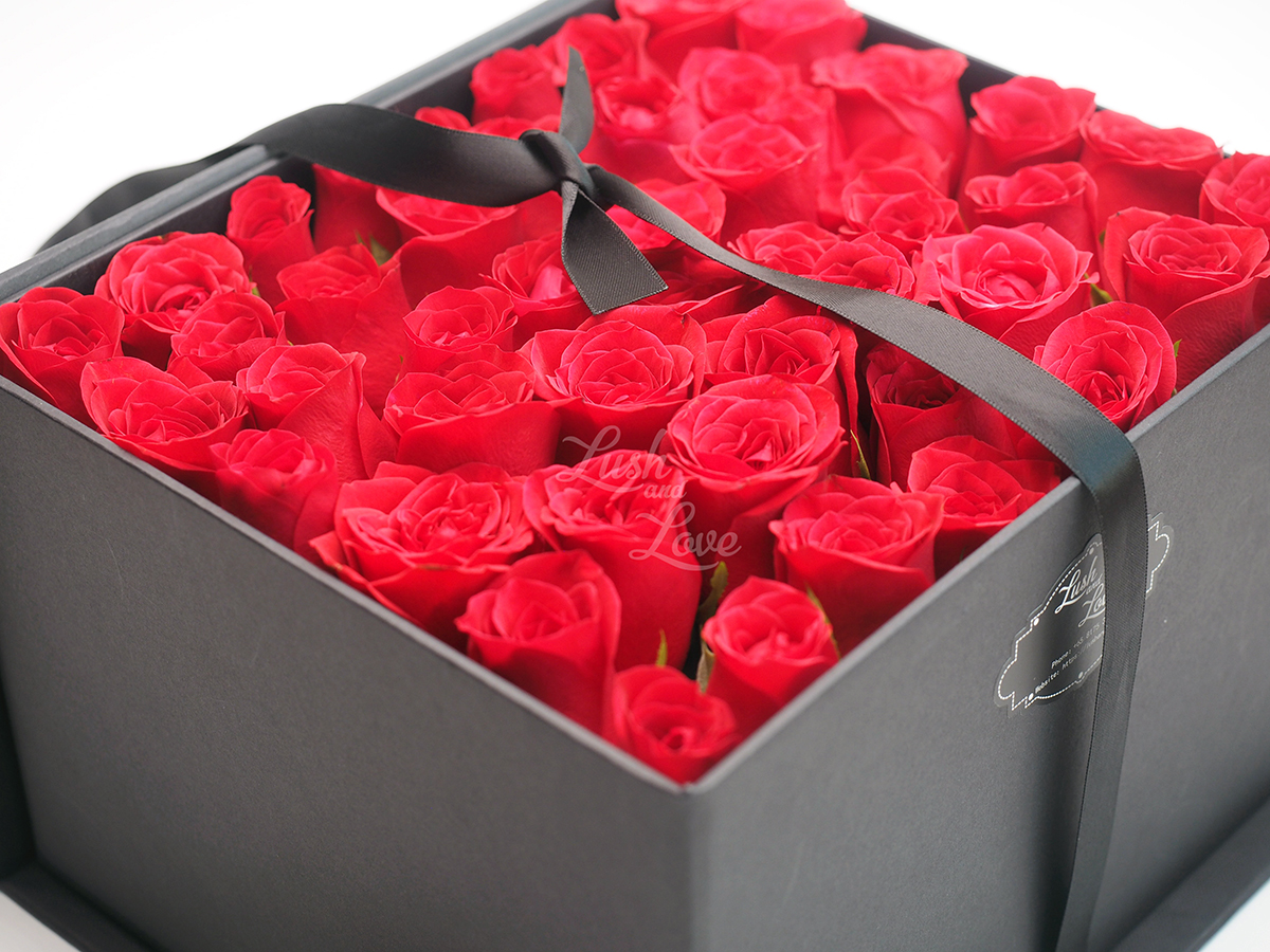 LETTER OF ROSES - CUBE BOX 4