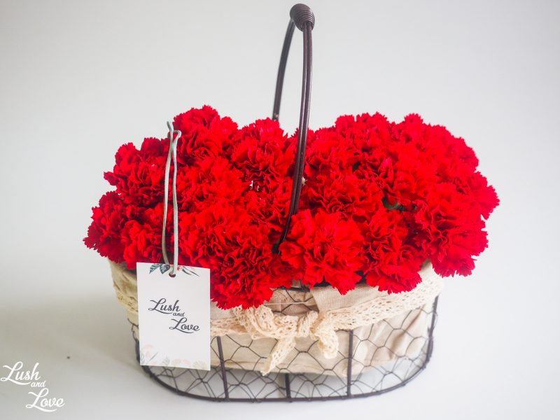 red carnations box